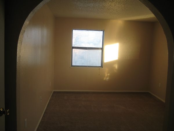 $694 2br - 917ftsup2 - $150 off first months rent (Riatta Ranch)