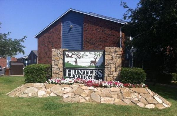 $500  1br - 554ftsup2 - Weve got HOT specials all month long (Hunters Ridge Apartments)