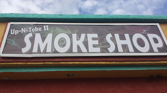 UpN Toke  smoke shop
