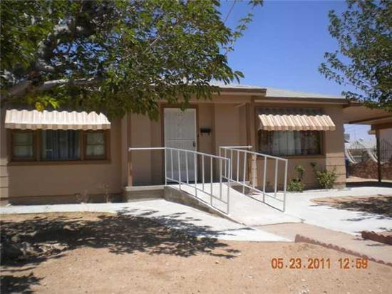 950  3br  3 bedroom  1 bath home very close to Ft