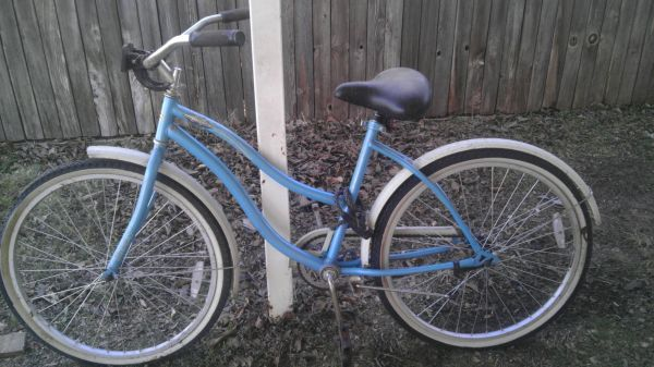 huffy beach cruiser bike - $75 (Abilene)