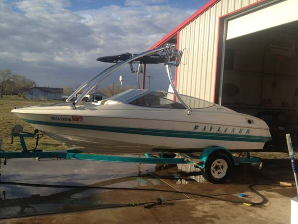 92 Bayliner Capri 17.5 - $5000 (Amarillo Texas)