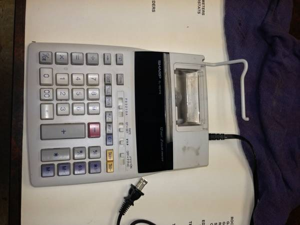 SHARP 10 KEY CALCULATOR - $25 (abilene)