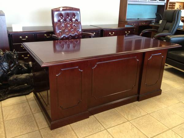 NEW OFFICE FURNITURE 5 Traditional Mahogany Wood Desks Credneza Sets - $1900 (Carrollton - Office Furniture Connection)