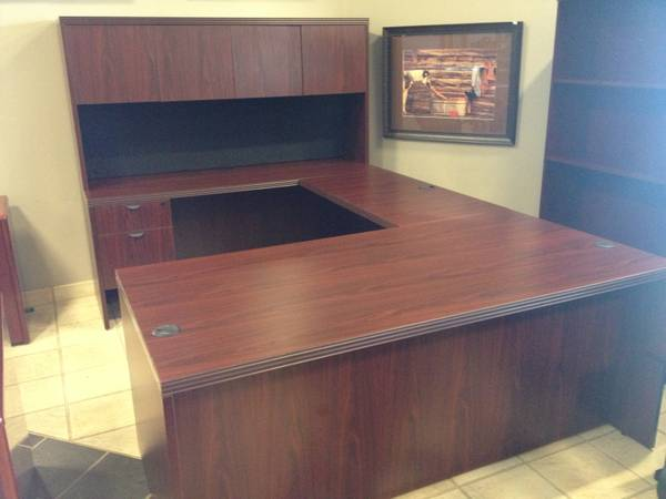 OFFICE FURNITURE - Mahogany U-Shaped Desk  Hutch Set - $850 (Carrollton - Office Furniture Connection)