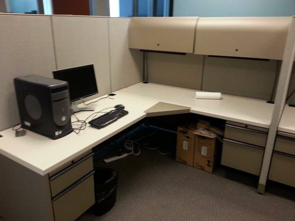 OFFICE FURNITURE -- 16 PRE-OWNED Haworth 6x 9 Stations - $600 (Carrollton - Office Furniture Connection)