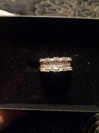 Diamond Ring 4 Sale -   x0024 500