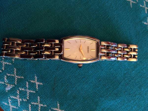 Ladies Seiko Watch -   x0024 40  abilene