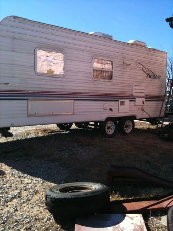 2003 Fleetwood(Pioneer) 24ft travel trailer - $5500 (Brownwood)