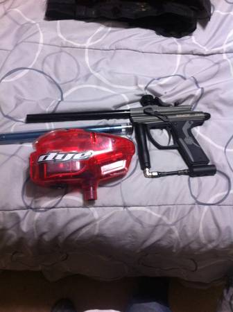 Spyder fenix paintball with loader cl and halo 1 loader - $80 (abilene)