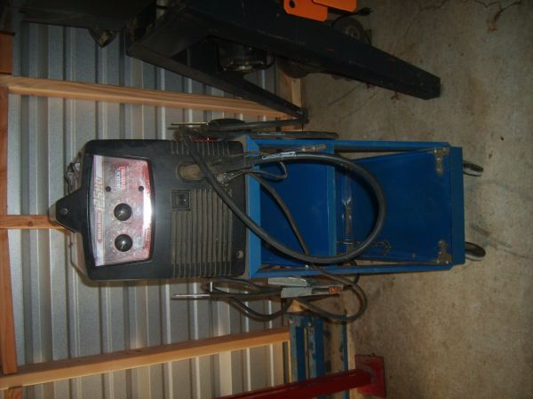 Lincoln Electric Wire Welder with Cart - $300 (brownwood,texas)