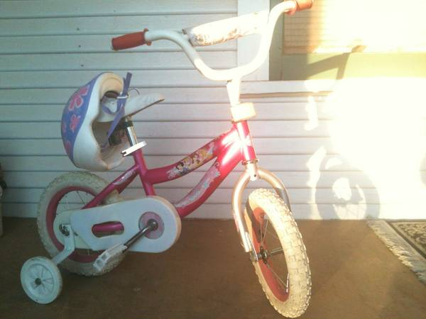 Toddler Girls Princess Bike wTraining Wheeels (Must Sell ASAP) - $46 (Roscoe)