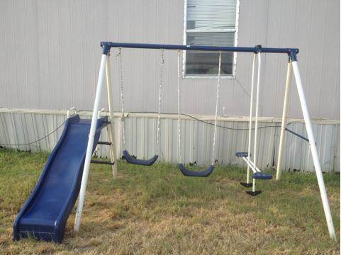 Kids Swing Set - $50 (Comanche)