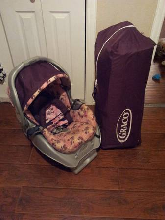 Infant Carseat and matching pack n play (girl) - $30 (Abilene)