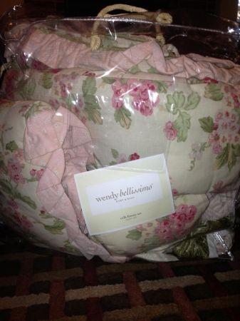 Wendy Bellissimo vintage teaberry crib bedding matching Moses Basket - $550 (Abilene Texas)