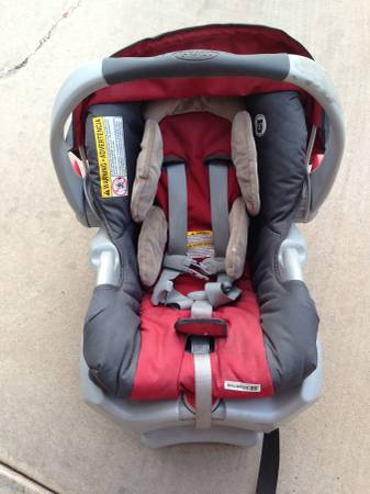 Graco Infant Car Seat with Two Bases -   x0024 60  Abilene TX