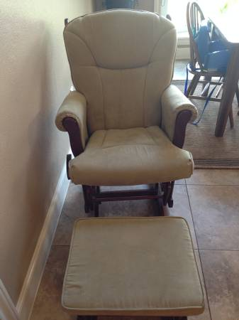 Rocking Chair with foot rest -   x0024 100  Abilene TX