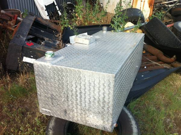 120 Gallon Aluminum Diamond Plate Fuel Tank - $350 (Carbon, TX)
