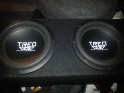 2-12 treo subs 1000watt treo  plus cables and battery (abilene)
