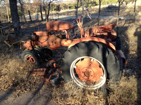 Model B Farmall Tractor - $200 (Eula, TX)