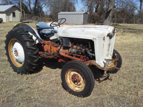 Ford Tractor Model 601 - $2750 (Clyde, TX)