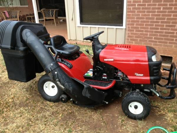 NICE Craftsman LT 2000 with bagger - $1100 (Sweetwater)