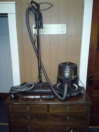 Rainbow E-series Cleaning System - $400 (Brownwood)