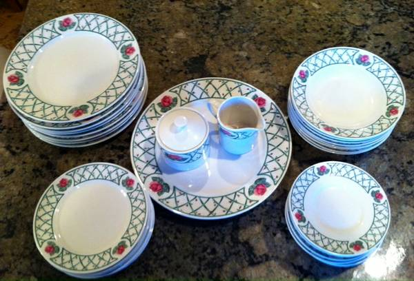 Beautiful Sango find China Set - $125 (Abilene Tx )