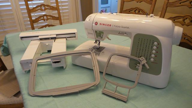 450  Singer Futura Quartet 6000 All in 1 SEWING MACHINE