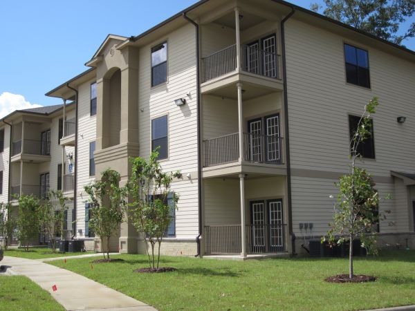 $1080 3br - 1079ftsup2 - 3 Bedroom 2 Bath Village at Juban Lakes (Denham Springs, LA)