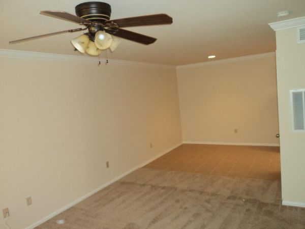 $740 1br - 650ftsup2 - REMODELED, UPSTAIRS UNIT AVAILABLE NOW PRELEASING FOR SUMMERFALL TOO (BRIGHTSIDE LSU)