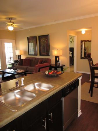 $940 2br - 953ftsup2 - Village at Juban Lakes (Denham Springs)