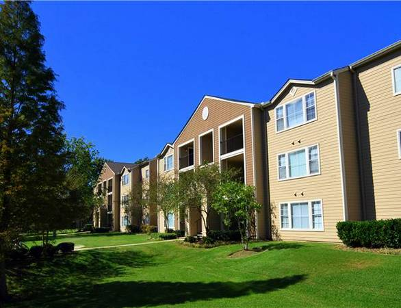 $414  1br - 1200ftsup2 - 1 BR in a 4 BR apt(LSU location) (4600 Burbank Drive)