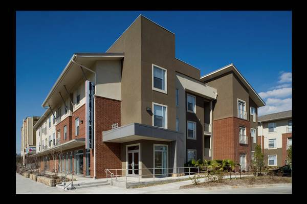 - $875 1br - 548ftsup2 - NEED TO SUBLEASE ASAP NEAR LSU (CAMPUS CROSSING HIGHLAND - LSU)
