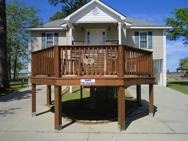- $220 3br - 1200ftsup2 - The New Getaway Waterfront Vacation Rentals (Pass Christian, MS)