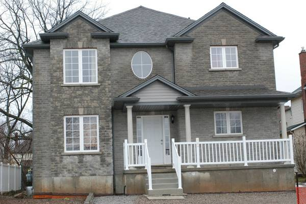 - $1 3br - 2000ftsup2 - NIAGARA FALLS EXECUTIVE 2-3 BEDROOM VACATION RENTALS (Niagara Fallls Ontario)