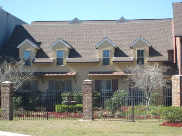 $198000 3br - 1900ftsup2 - Gated Condo Community (Quarters at Dutchtown)