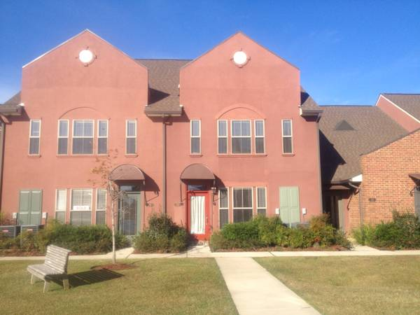 - $213000 3br - 1964ftsup2 - Gated Community (Quarters at Dutchtown)