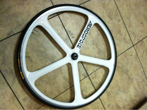 Aerospoke front clincher wheel  - $250 (LSU )