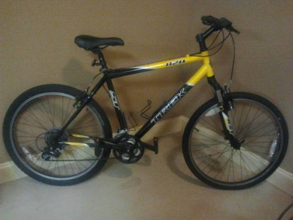 b0c545e2a24 TREK 820 Mountain Bike - $300 (Gonzales)