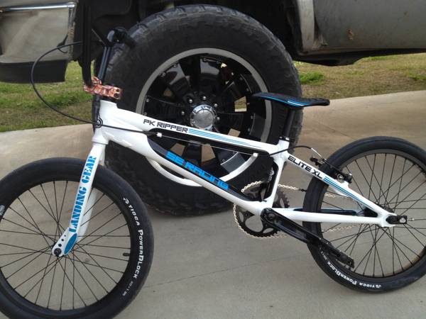 2013 s.e. ripper 20 BMX race bike (Prarieville)