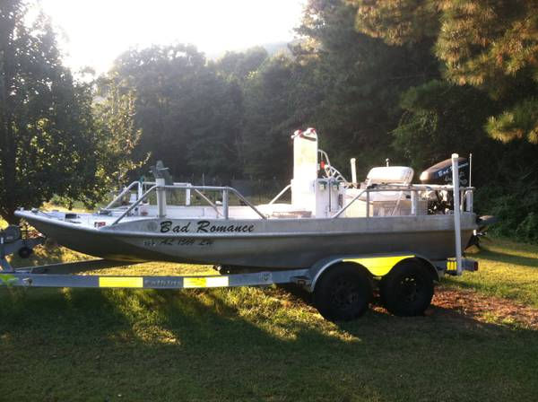 extreme aluminum bow fishing boat  -   x0024 22000  scottsboro