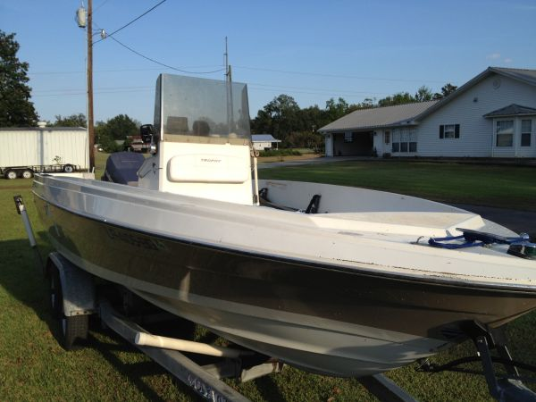 20 ft Bay Boat - $4500 (St Amant)
