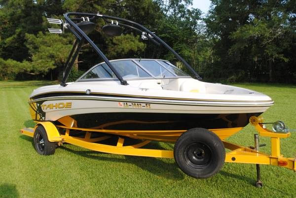 2009 Tahoe Q5I with wakeboard tower - $19995 (Baton Rouge)