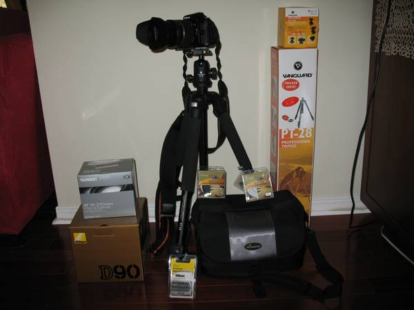 Nikon D-90 12.3 MP Digital Camera - $1200 (Mobile)