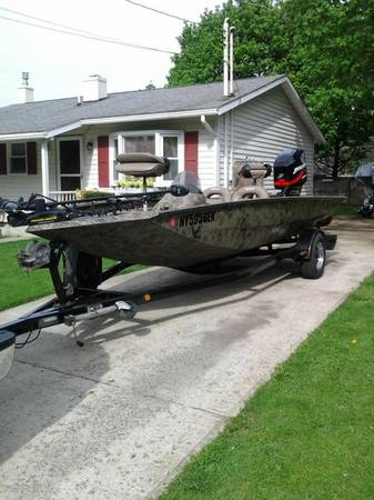 2003 Camo Xpress H56 (18) w 135 Mercury Optimax and Backtrack Traile - $12000 (Baton Rouge)