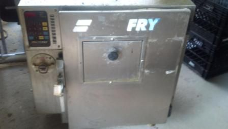 Autofry MTI-10 (ventless fryer) - $2000 (Greenwell Springs)