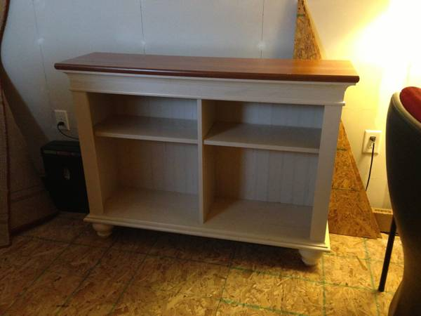 Bookshelf table tv stand - $20 (Gonzales, LA)