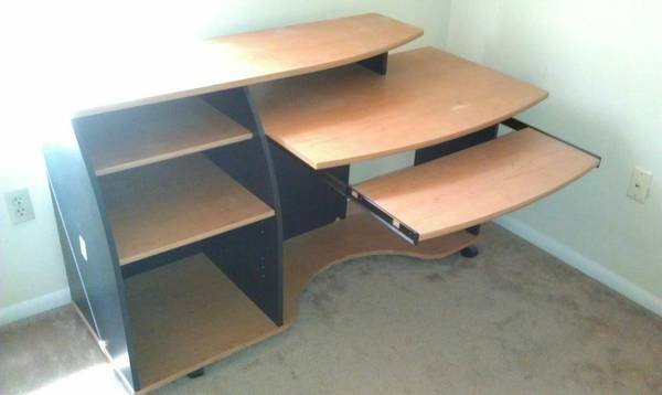 9608 9608 9608 Computer Study Desk Table Work Station Perfect for You - $50 (Brightside, LSU, Baton Rouge)