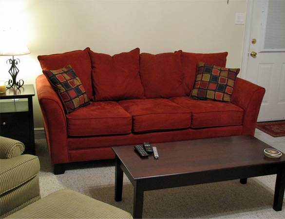 Complete contemporary living room - $675 (Gonzales)